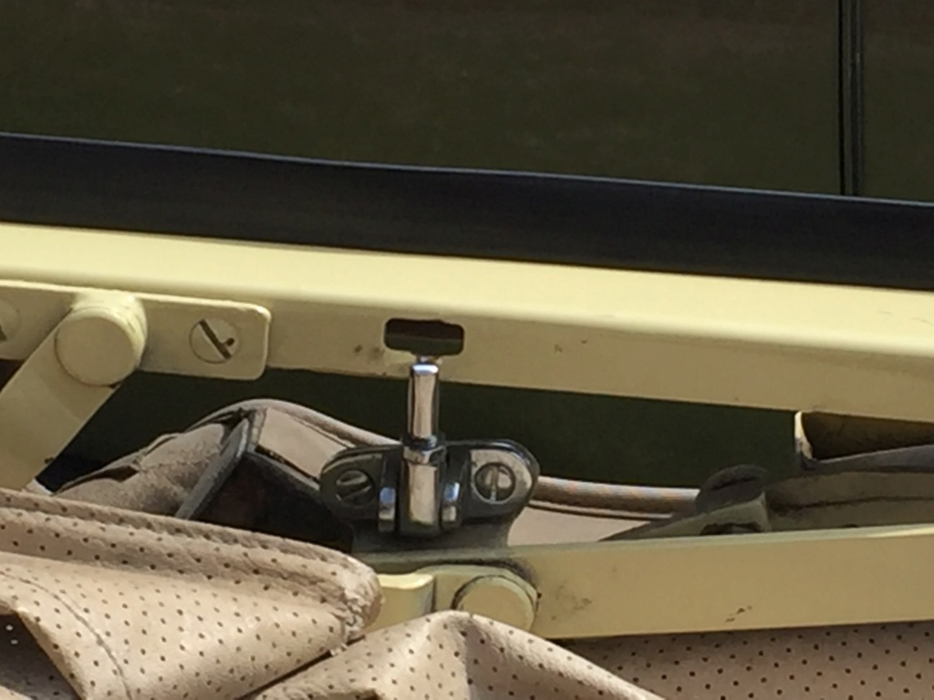 Fixation armature cabriolet  74147310