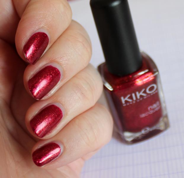 Vernis à ongles rouge métallisé/pailleté  Kiko_410