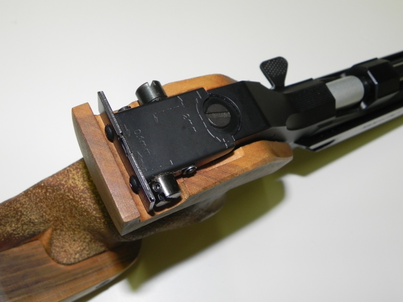 Pistolet F.A.S. (Domino) AP-606   Dscn5018