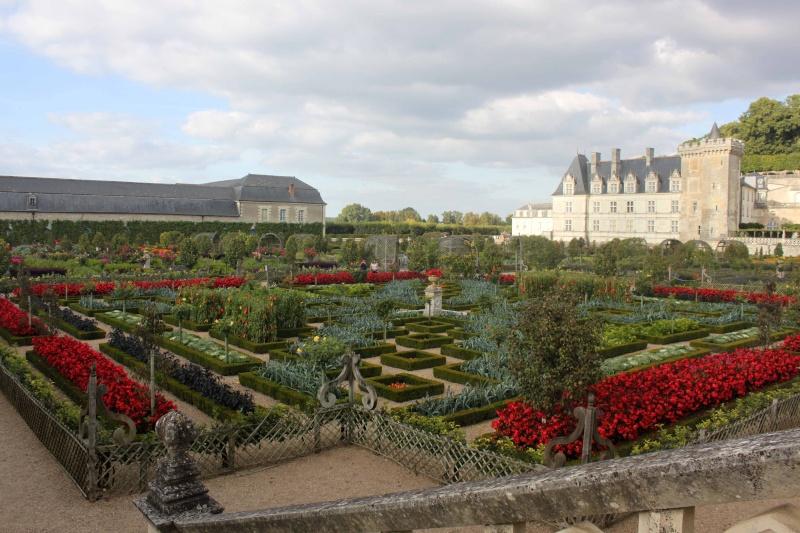 Quelques châteaux de la Loire - Page 3 Villan27