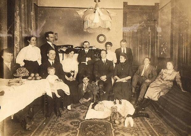 Modë e çuditshme e fotove post-mortem të shekullit XIX-të 610