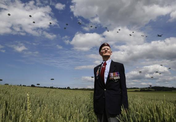 70e anniversaire du débarquement aéroportée en Normandie dans la nuit du 5 au 6 juin 1944 21340910