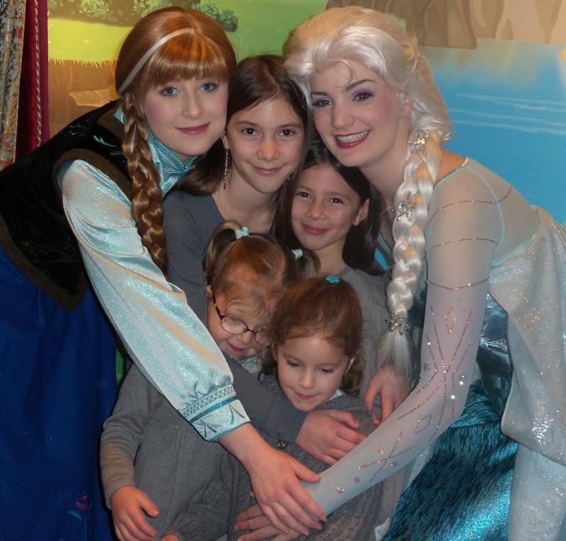 Princess Pavilion avec Anna et Elsa - Page 4 20141210