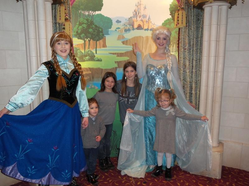 Princess Pavilion avec Anna et Elsa - Page 4 20141211