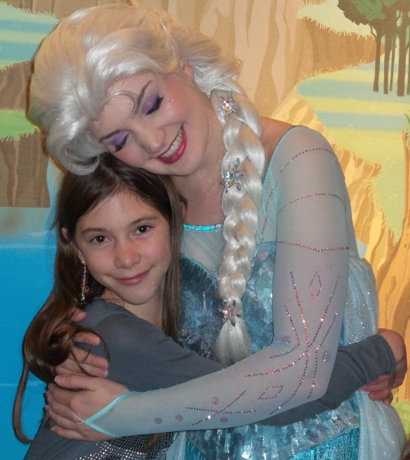 Princess Pavilion avec Anna et Elsa - Page 4 20141213