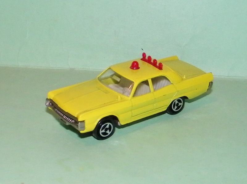 N°216 PLYMOUTH FURY POLICE 216_pl10