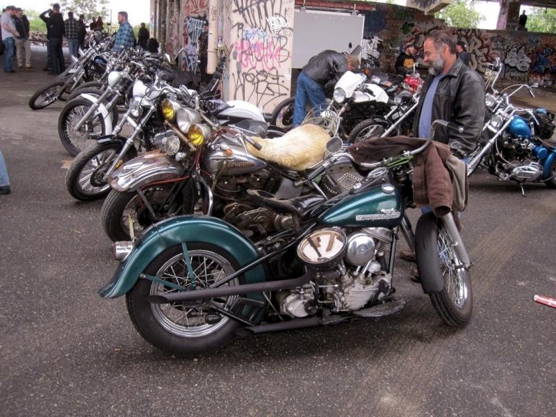 Les vieilles Harley....(ante 84) par Forum Passion-Harley - Page 37 1_viei28