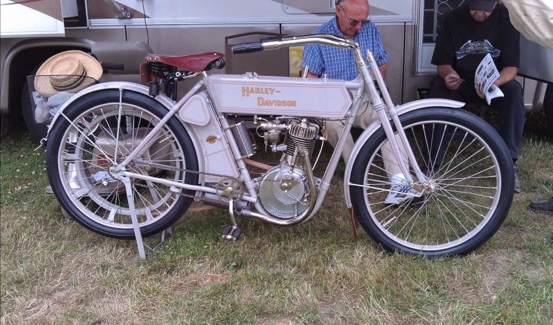 Les vieilles Harley....(ante 84) par Forum Passion-Harley - Page 39 1_viei37