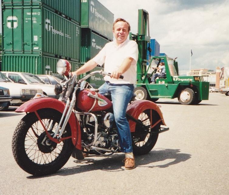 Les vieilles Harley....(ante 84) par Forum Passion-Harley - Page 39 1_viei38