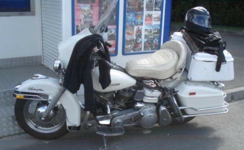 Les vieilles Harley....(ante 84) par Forum Passion-Harley - Page 37 Captu333