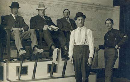 STREET VIEW : les petits boulots, image de la précarité moderne Americ10