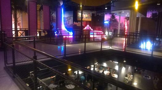 Restaurant en Coulisse  (Walt Disney Sutdios)  10453311