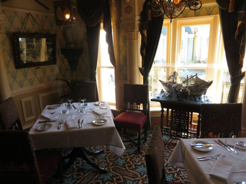 Walt's, an american restaurant (Disneyland Parc) - Page 2 10636012