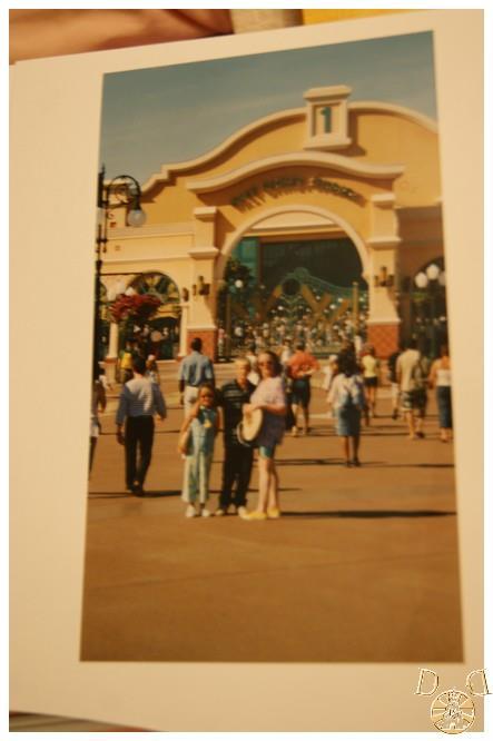 Toutes vos anciennes photos sur les parcs ... souvenirs, souvenirs ...  - Page 2 Dsc08011