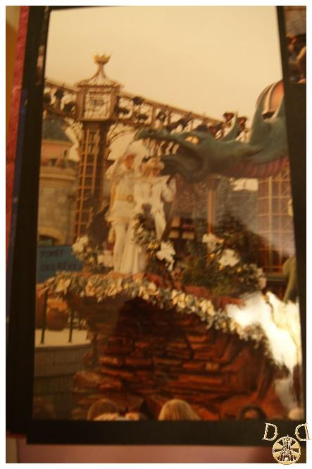 Toutes vos anciennes photos sur les parcs ... souvenirs, souvenirs ...  - Page 5 Dsc08220