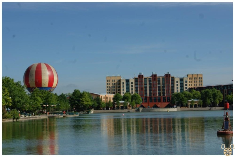 Disney's Hotel New York - Page 6 Dsc09224