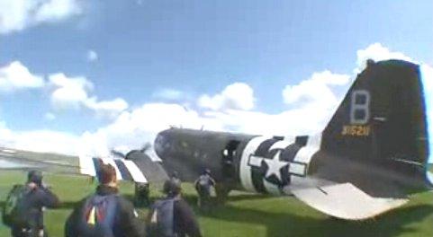 Un DC3 - Dakota - C47 Parachutisme en 2008 Dc_310