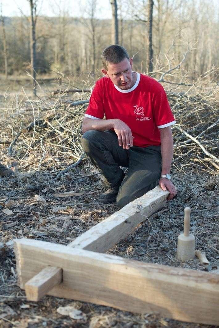 Abattre un arbre comme un homme du néolithique Neolit10