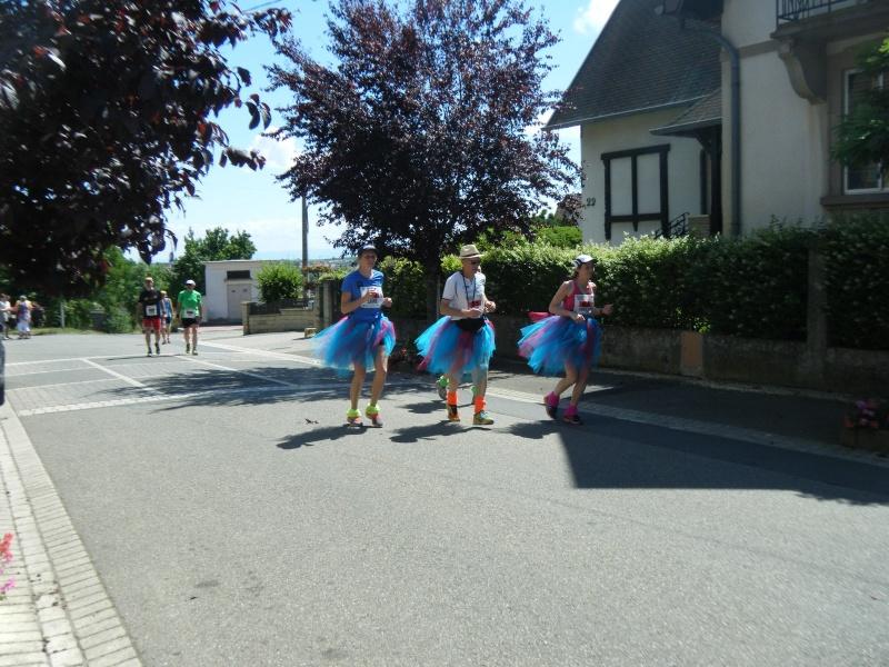 10 ème édition du Marathon du Vignoble d'Alsace et son passage à Wangen le 15 juin 2014 Dscf1226