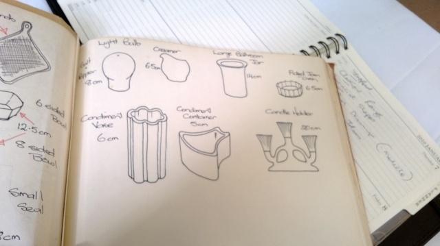 A Crown Lynn Bathroom Tumbler & Pen Pot Shape 3621 10910