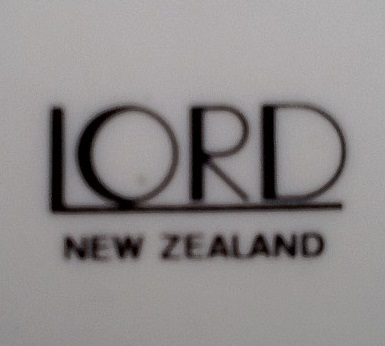 Lord - New Zealand Pottery Lord_b10