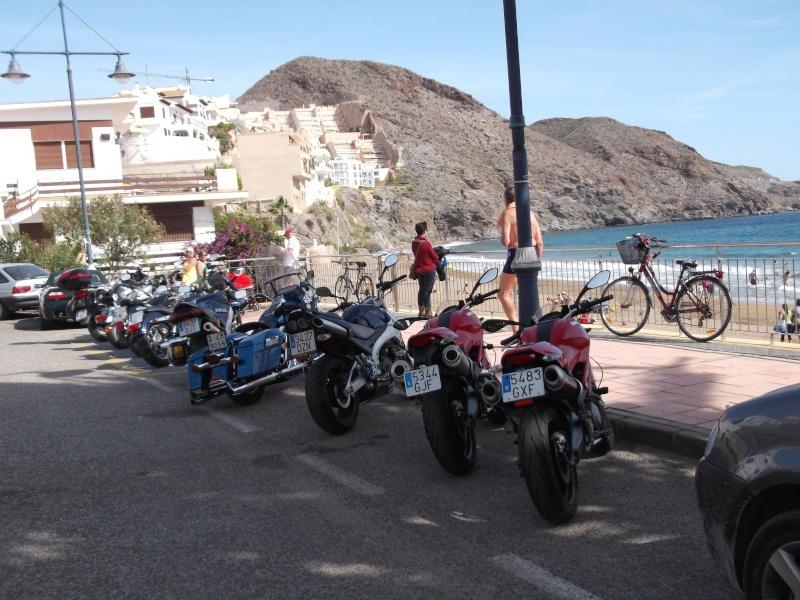 un moto almuerzo en la costa  263de010