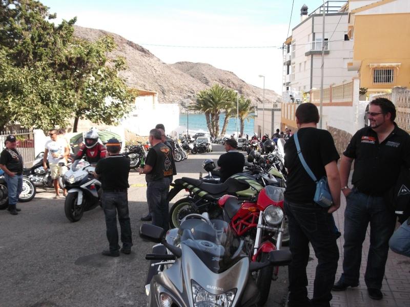 un moto almuerzo en la costa  Hvc6tg10