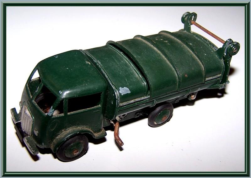 25 V ford poubelle 100_7314