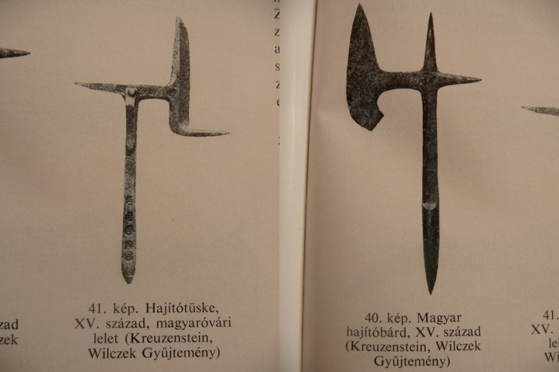 [Artefacts] haches à lancer, croix à lancer ( 14e-17e) 0310