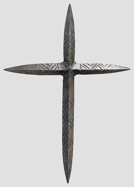 [Artefacts] haches à lancer, croix à lancer ( 14e-17e) 0710