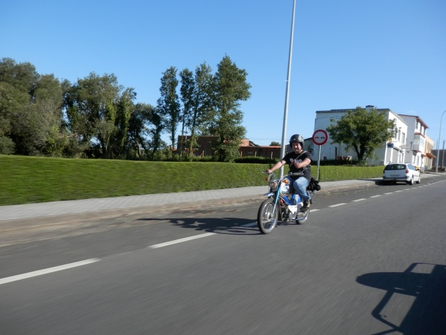 Vuelta a Galicia en ciclomotor  1010