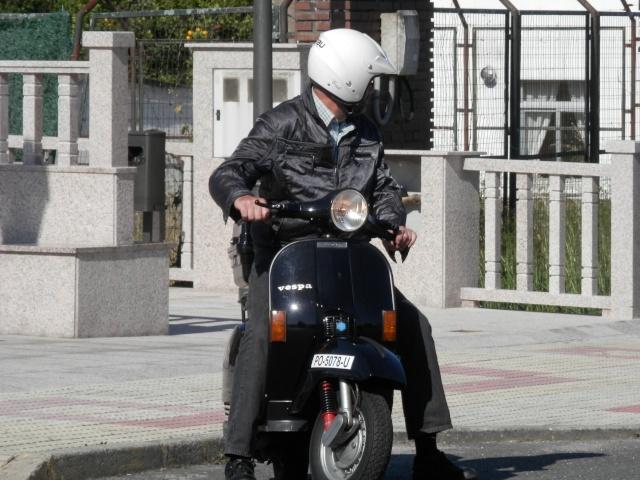 Vuelta a Galicia en ciclomotor  910