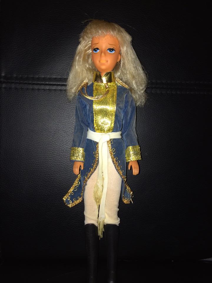 Cerco bambola LADY OSCAR - ROSE OF VERSAILLES  Ladi210