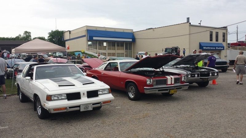 A local friend of mine and member here 3 gens of Olds  A_cutl10