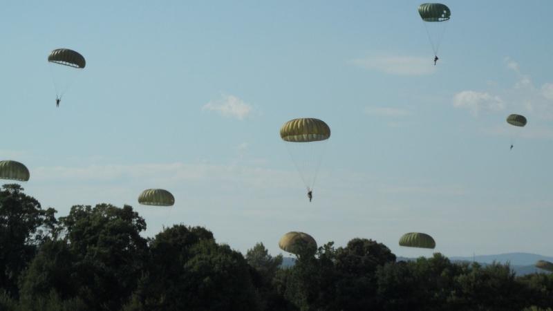 Le parachutage 10738610