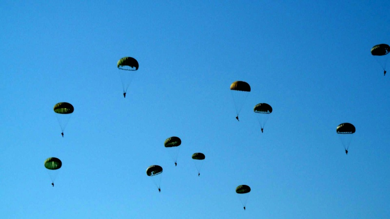 Le parachutage 112