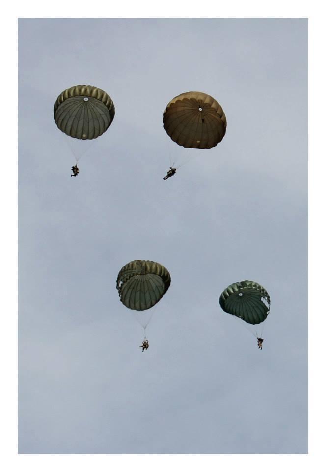 Le parachutage 11501310