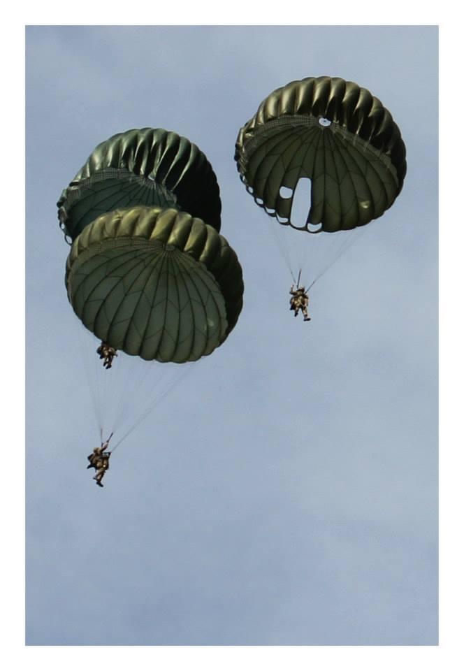 Le parachutage 11750210