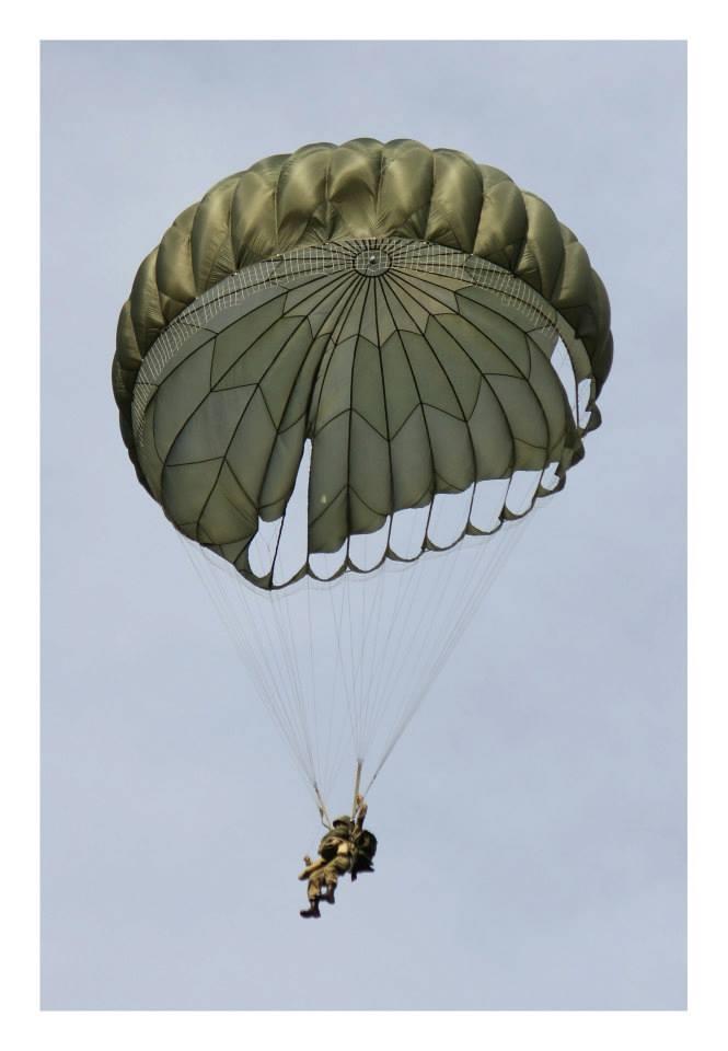 Le parachutage 56129810