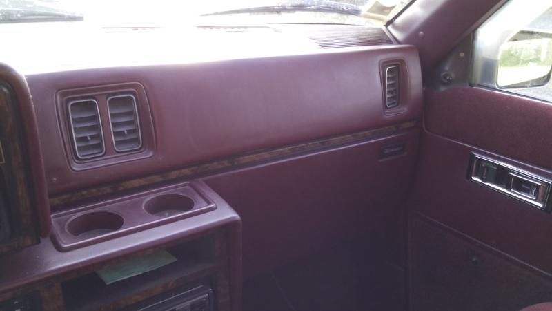 Mon Plymouth Voyager de 1990 Img_2013