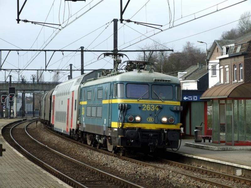 """Voitures M6 de la SNCB de chez """"Classix"""" Hle26310"""