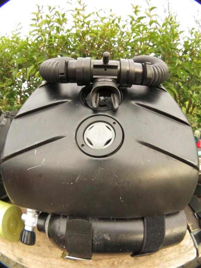 CR -parfaitement objectif- d'une plongée avec une merveille de recycleur O2, l'innénarrable Oxygers! Smal0110