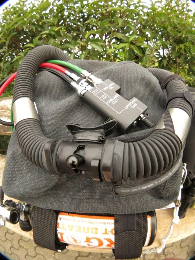 CR -parfaitement objectif- d'une plongée avec une merveille de recycleur O2, l'innénarrable Oxygers! Smal0310
