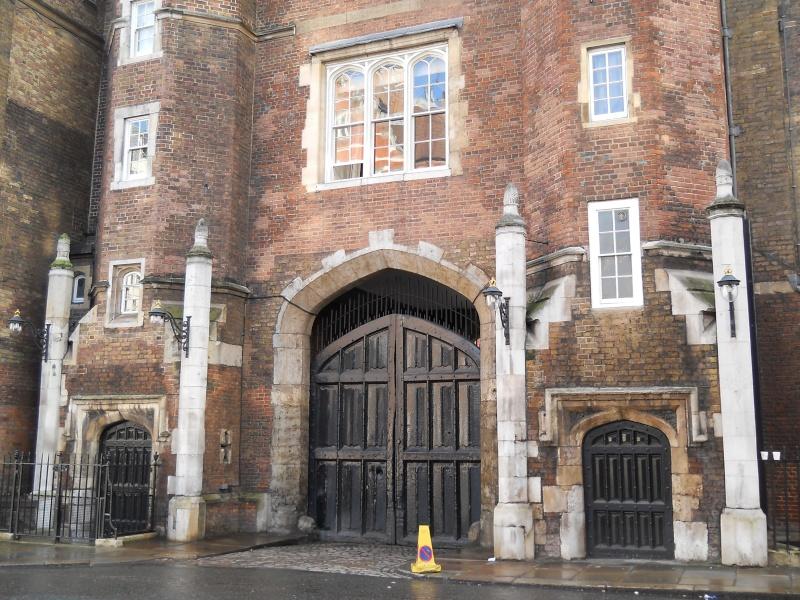 ...  à Londres, Saint-James Palace Dscn6937