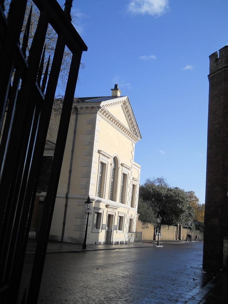 ...  à Londres, Saint-James Palace Dscn6941