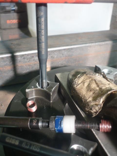 Changement Silent Bloc sur cloche d'embrayage d'origine P1080311