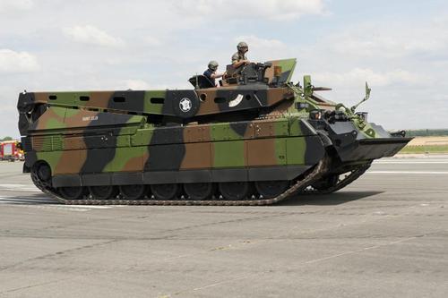 Le char lourd Français AMX 56 (56 tonnes)<<LECLERC>>(Source du Ministère des Armées) Le-dep10