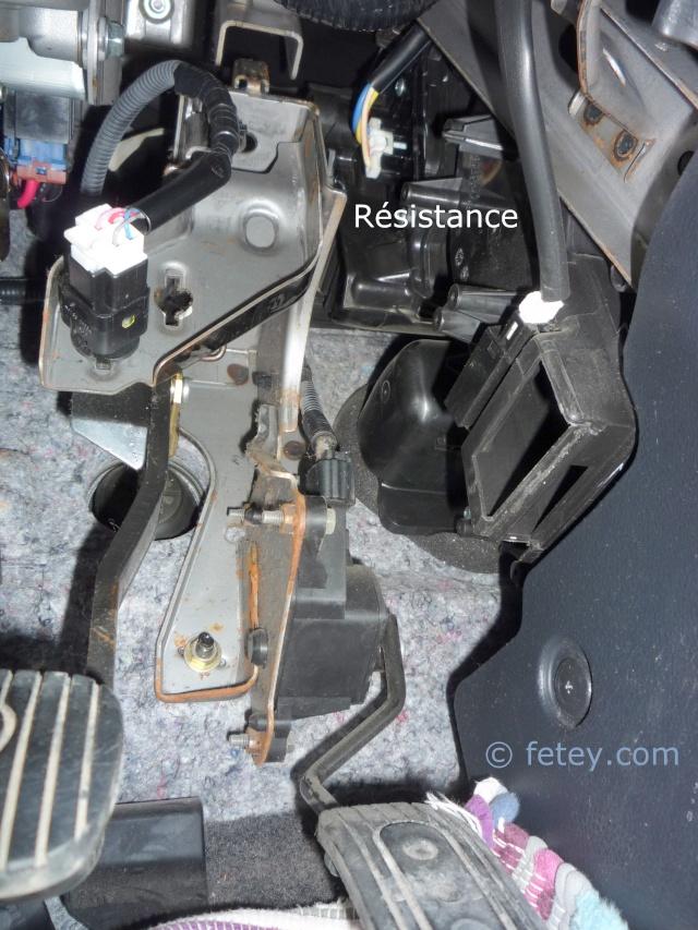 Nissan Versa S 2007, remplacer la résistance du système de chauffage 19_dyc10