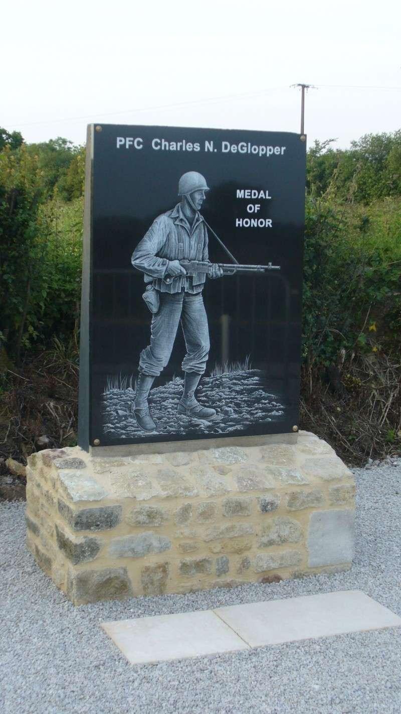 Monument WW2 - Amfreville ( France ) P1160126