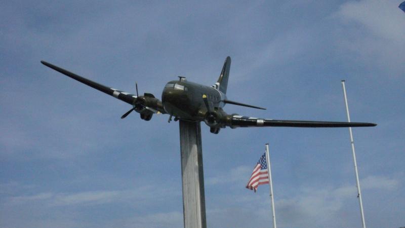 Monument WW2 - Picauville ( Normandie ) P1170724